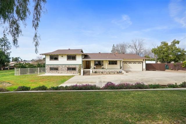 100 Stony Knoll Road, El Cajon, CA 92019