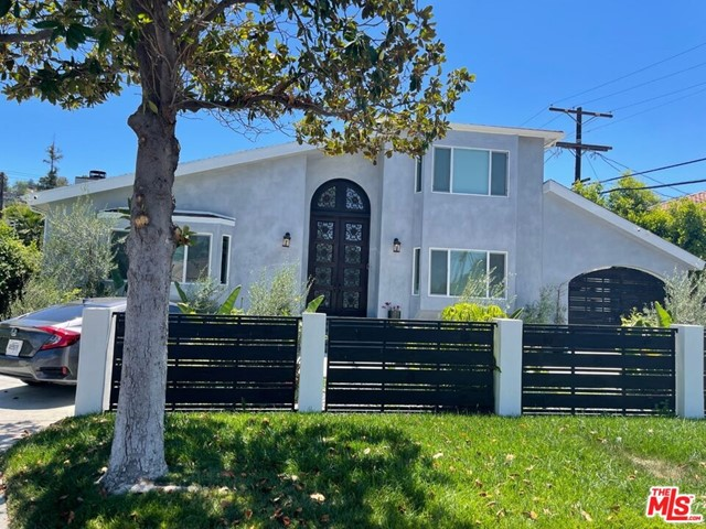 Photo of 18054 Valley Vista Boulevard, Encino, CA 91316