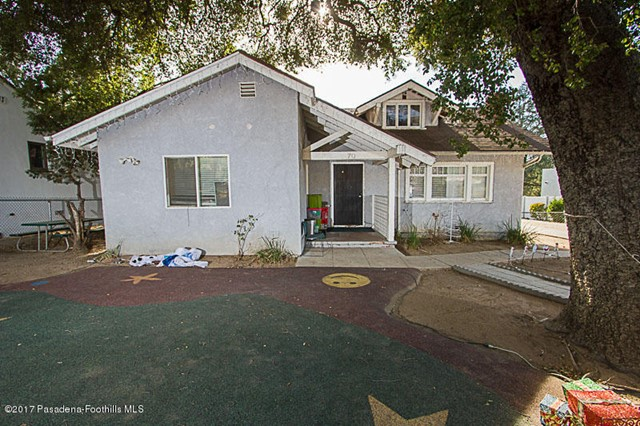 70 W Palm St, Altadena, CA 91001
