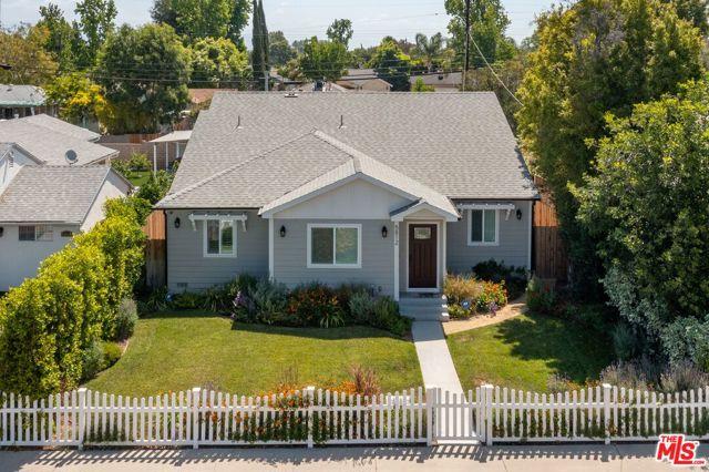 2. 5812 Lindley Avenue Encino, CA 91316
