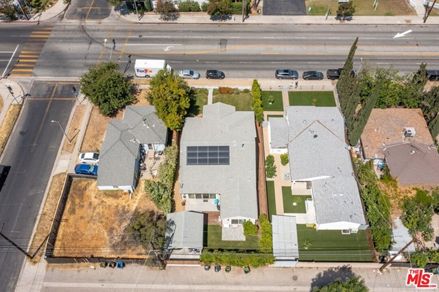 18. 5812 Lindley Avenue Encino, CA 91316