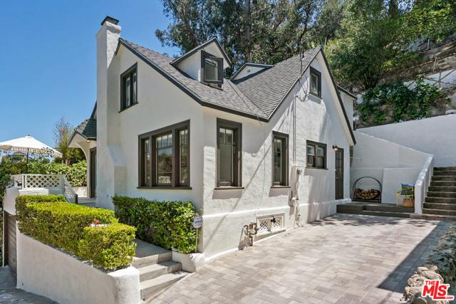 6170 Glen Oak Street, Los Angeles, CA 90068