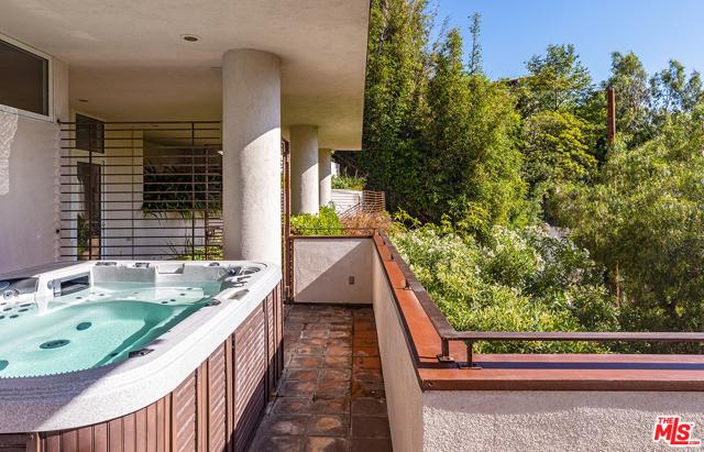 21. 21070 Las Flores Mesa Drive Malibu, CA 90265