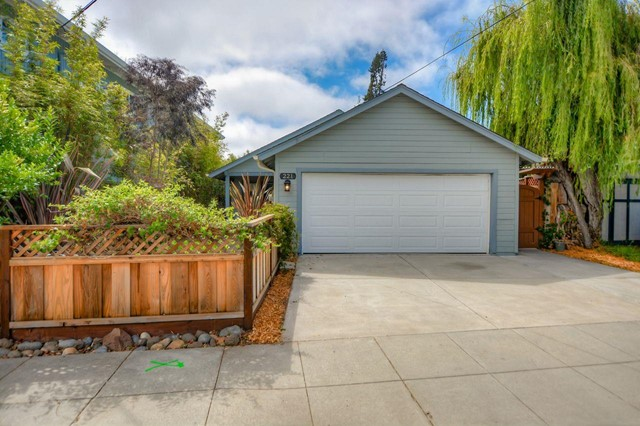 221 Felix Street, Santa Cruz, California 95060, 3 Bedrooms Bedrooms, ,2 BathroomsBathrooms,For Sale,Felix,ML81805636