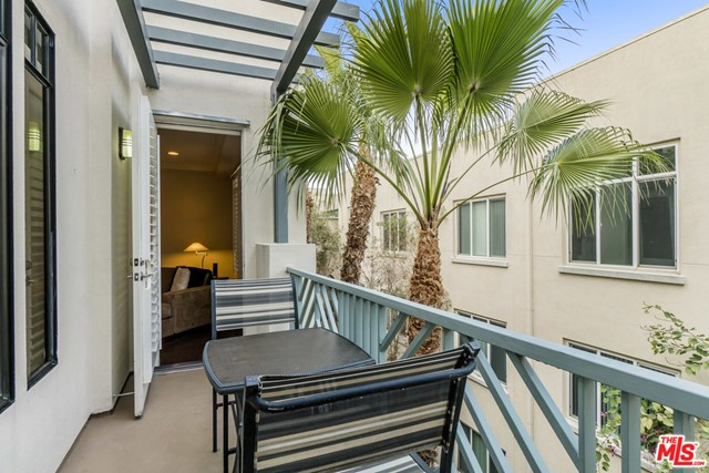 5625 Crescent Park W, Playa Vista, CA 90094 Photo 1