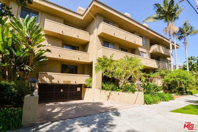 221 OAK KNOLL Avenue 108, Pasadena, California 91101, 2 Bedrooms Bedrooms, ,2 BathroomsBathrooms,For Sale,OAK KNOLL,18328838