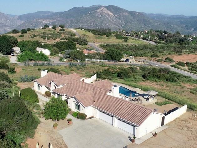 29921 McKenna Heights Ct, Valley Center, CA 92082