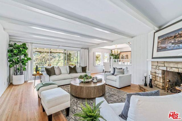 4. 1111 Villa View Drive Pacific Palisades, CA 90272