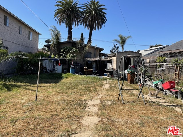 Back Yard Looking at e House/Garage