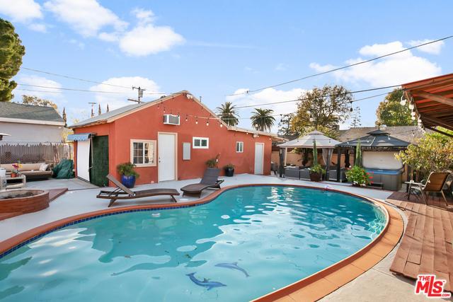 6213 TUJUNGA Avenue, North Hollywood, CA 91606