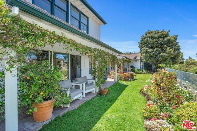 23. 1111 Villa View Drive Pacific Palisades, CA 90272