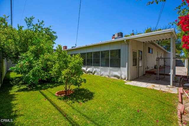34. 5752 Bucknell Avenue Valley Village, CA 91607