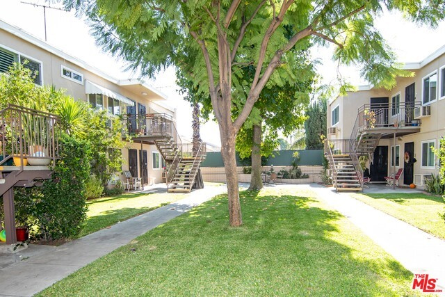 7129 N COLDWATER CANYON Avenue 6, North Hollywood, CA 91605