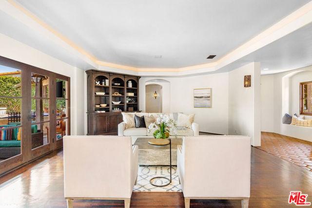 17. 453 Via Media Palos Verdes Estates, CA 90274