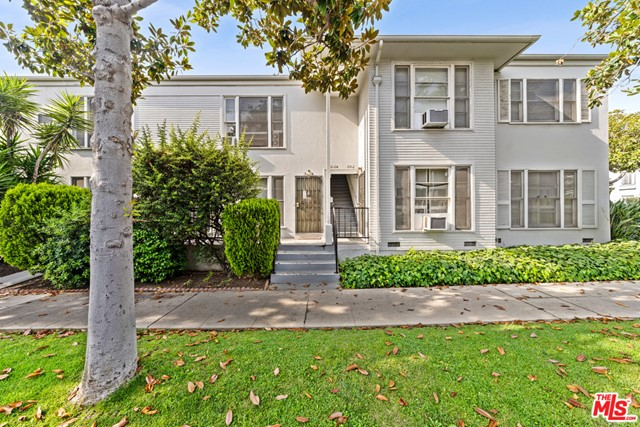 Charming six-unit building in prestigious Beverly Hills.   Located on the SE corner of Doheny Dr and Gregory Way between Olympic and Wilshire Boulevards, the property features a favorable unit mix with studio, four 1-bedroom, and one 2-bedroom units.  Much of the building's 1940s character remains with large floor plans, original hardwood oak floors, crown moldings, and tiled kitchens and baths.  Garage parking for two vehicles and four additional on-site spaces.  The property is stabilized, with quiet and reliable tenants.  Significant upside remains for investors to upgrade units over time and capitalize on the demand for renovated apartments. The city's submarket fundamentals feature some of the strongest rents and lowest vacancies in the Los Angeles metro area.  Proximity to the restaurants, shops, parks and schools of Beverly Hills, as well as surrounding Century City, West Hollywood, and Beverly Grove neighborhoods.