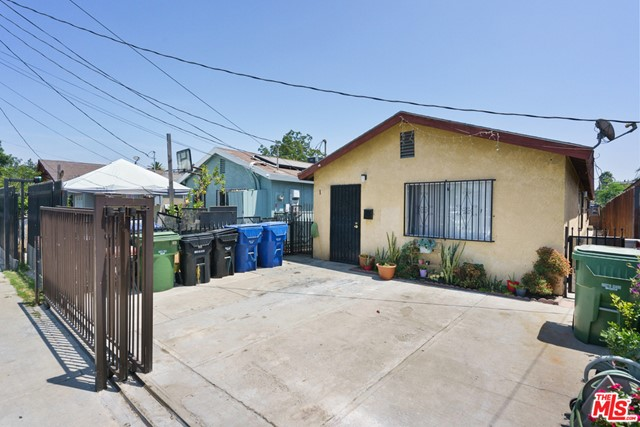 9534 Grape Street, Los Angeles, CA 90002
