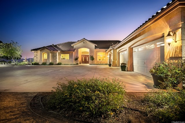 30029 McKenna Heights Court, Valley Center, CA 92082