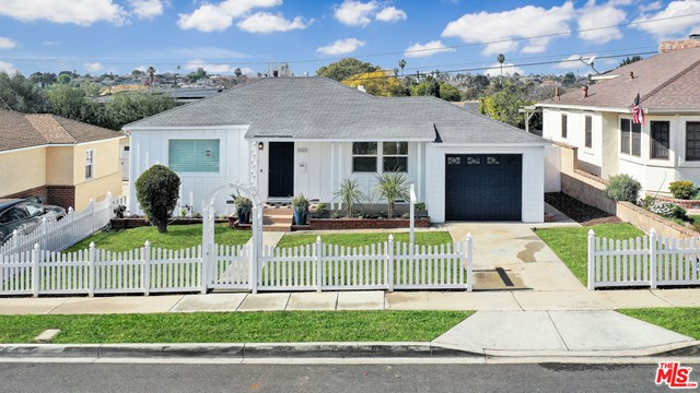 1905 Manzanita Lane, Manhattan Beach, California 90266, 4 Bedrooms Bedrooms, ,2 BathroomsBathrooms,For Sale,Manzanita,21681040