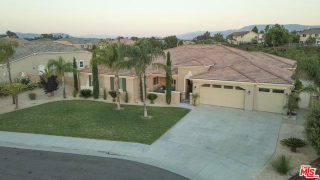 Photo of 32320 SAINT MICHEL Lane, Temecula, CA 92591