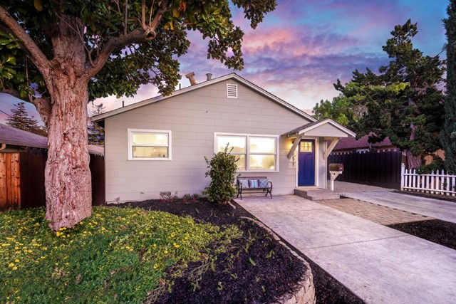 551 Chiquita Avenue, Mountain View, CA 94041