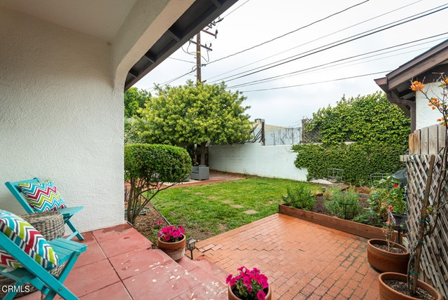 25. 2120 Parnell Way Altadena, CA 91001