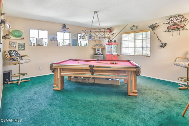 39. 215 Southcrest Place Simi Valley, CA 93065