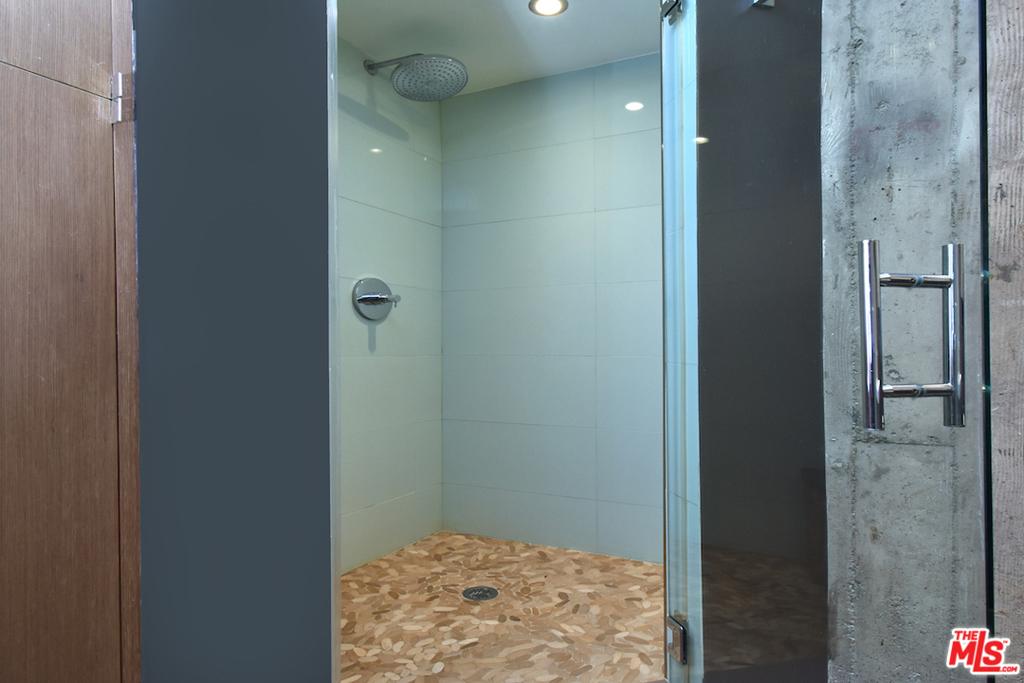 ...Wi Walk-In Shower