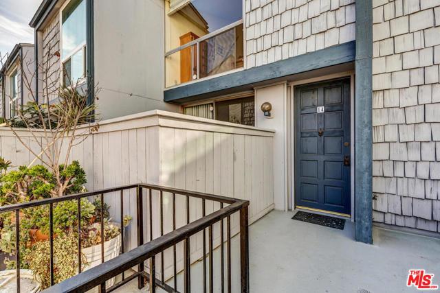 5815 Doverwood Drive 14, Culver City, CA 90230