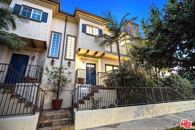 11622 Valley Spring Lane 2, Studio City, CA 91604