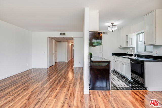 7. 5900 Murietta Avenue #203 Van Nuys, CA 91401