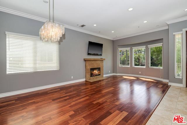 4125 Hood, Burbank, California 91505, 3 Bedrooms Bedrooms, ,2 BathroomsBathrooms,Townhouse,For Lease,Hood,21683202