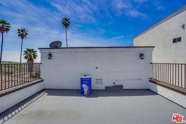 44. 4315 Raynol Street Los Angeles, CA 90032