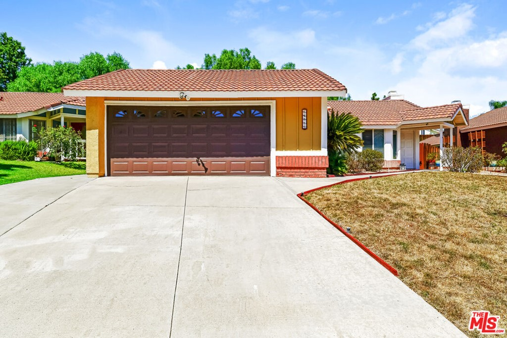 14811     Quezada Way, Santa Clarita CA 91387