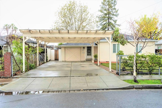 677 Macarthur Avenue, Redwood City, CA 94063