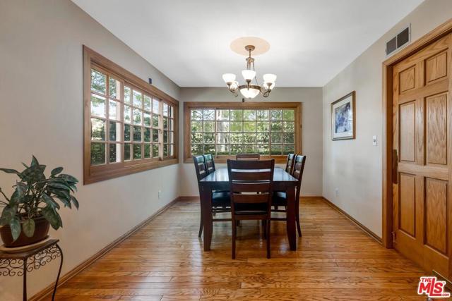 15. 4420 Da Vinci Avenue Woodland Hills, CA 91364
