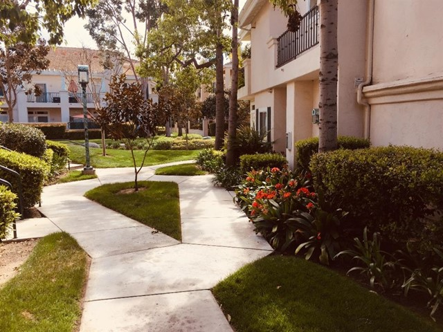 7225 Calabria  Court 91, San Diego, CA 92122