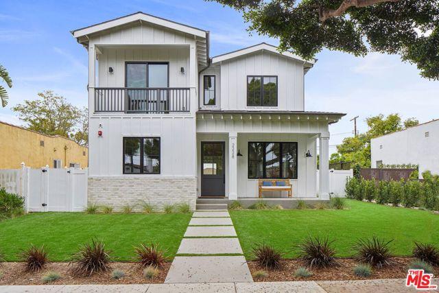 2228 Cloverfield Boulevard, Santa Monica, CA 90405