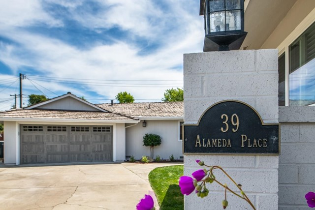 39 Alameda Place, Salinas, CA 93901