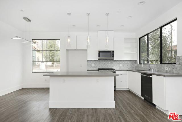 4201 PENNSYLVANIA Avenue K2, La Crescenta, CA 91214