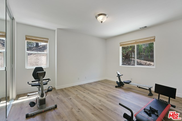 23. 3110 Foothill Drive Thousand Oaks, CA 91361