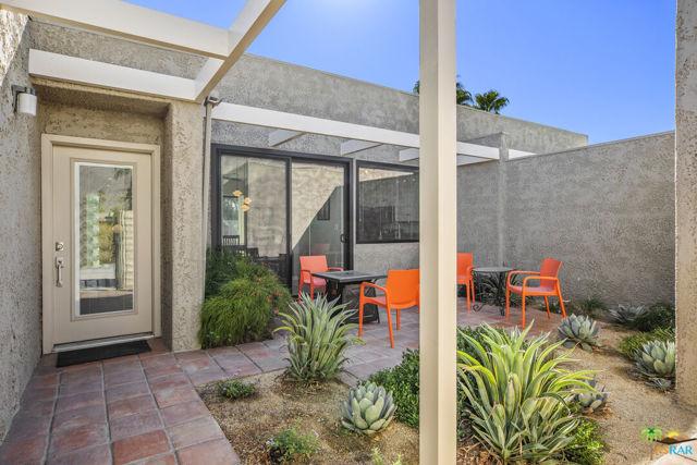 846 N Calle De Mimosas, Palm Springs, CA 92262