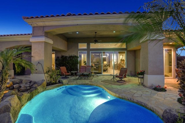 348 Tomahawk Drive, Palm Desert, CA 92211