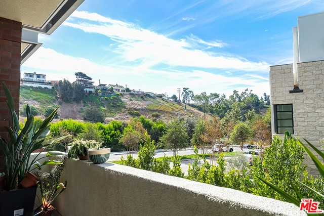 12655 Bluff Creek Dr, Playa Vista, CA 90094 Photo 0