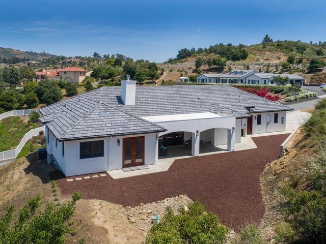 3271 Sagewood Hills Road, Vista, CA 92084