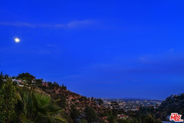 47. 7950 Electra Drive Los Angeles, CA 90046