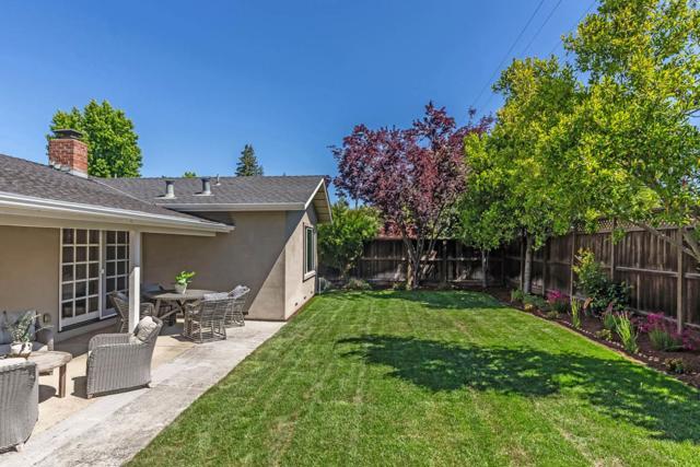 24. 1035 Rose Circle Los Altos, CA 94024