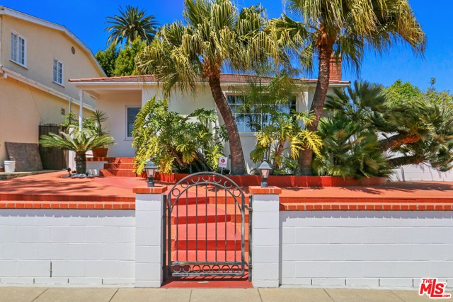 Fabulous opportunity in Santa Monica! Best location in the middle of the block. Well maintained cozy beach cottage with some fantastic upgrades over the years. Large sunroom added to give extra space but still allowing for generous outdoor space.  Fenced and private,  great for outdoor entertaining.   Features a beautiful kitchen with high-end stainless steal appliances. Home was enhanced to 2 bedroom and 2 bathrooms while creating storage and closet space.  A really sweet and loved home.
