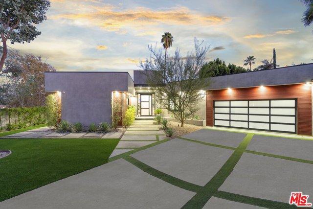 Photo of 11207 Laurie Drive, Studio City, CA 91604