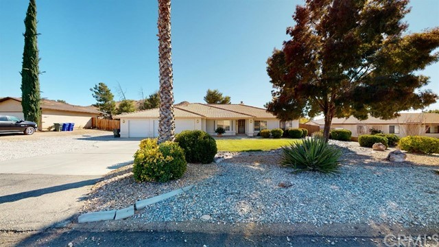 Image 4 of 19383 Arcata Rd, Apple Valley, CA 92307