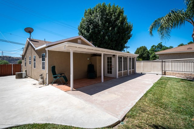 10631 Foothill Bl, Lakeview Terrace, CA 91342 Photo 35